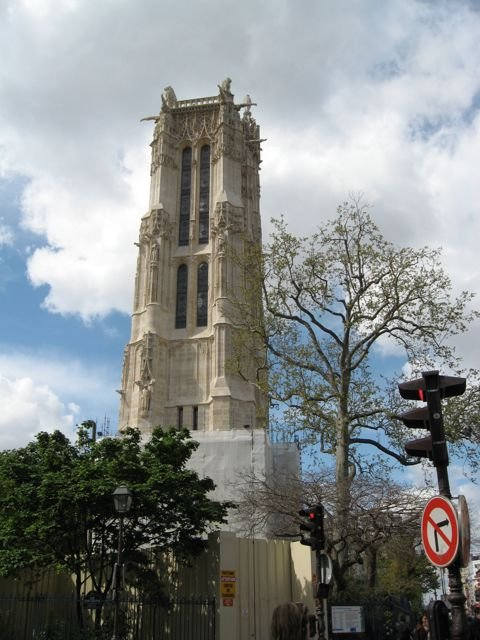 Tour St Jacques Paris.jpg