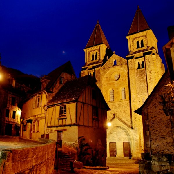 Conques Nightime