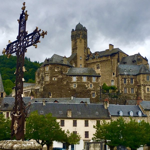 Estaing ... another UNESCO on Le Puy Chemin