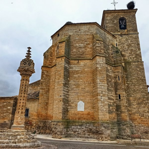 The gallows in Boadilla del Camino, beautiful and terrible at the same time