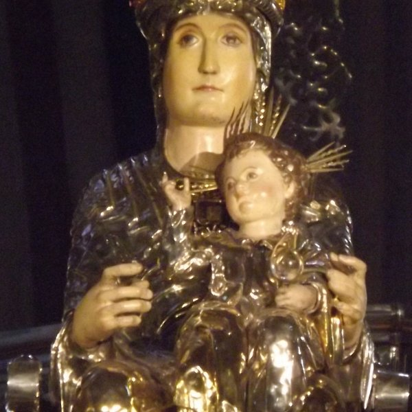 Santa Maria with Child Pamplona