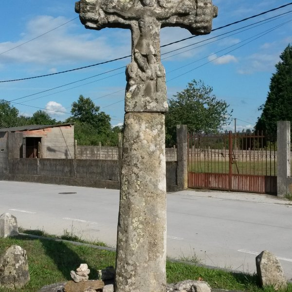 one of the oldest crosses on the Portugues/ early Gothic