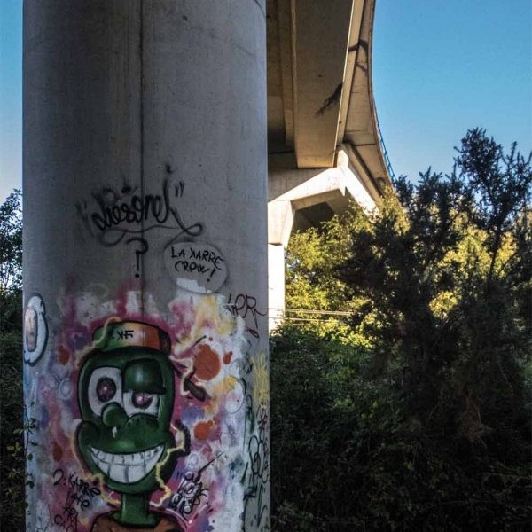 Underpass Graffiti  - - Walking to Betanzos......along the varied way.......