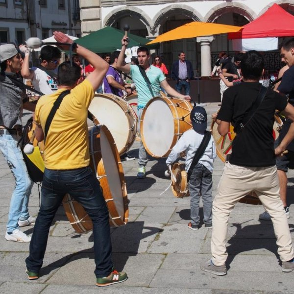 Outdoor Eisteddfod performers in the town plaza in Viana Do Castelo on the Portuguese Camino.