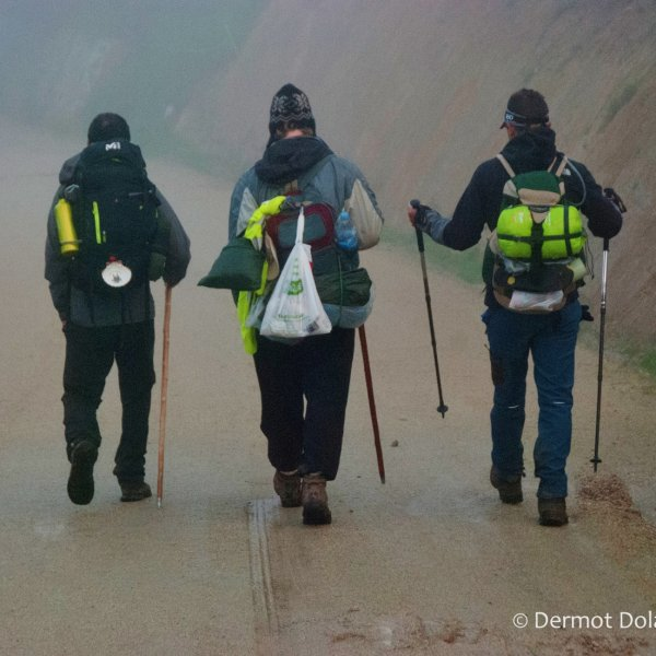 A good chat on a cold, foggy morning, Palas de Rei, March 2016