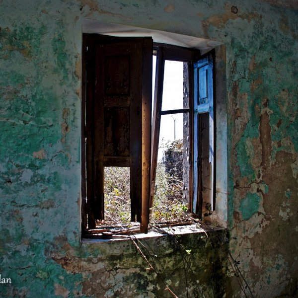 Beauty in Decay, a deserted house in a deserted Village.